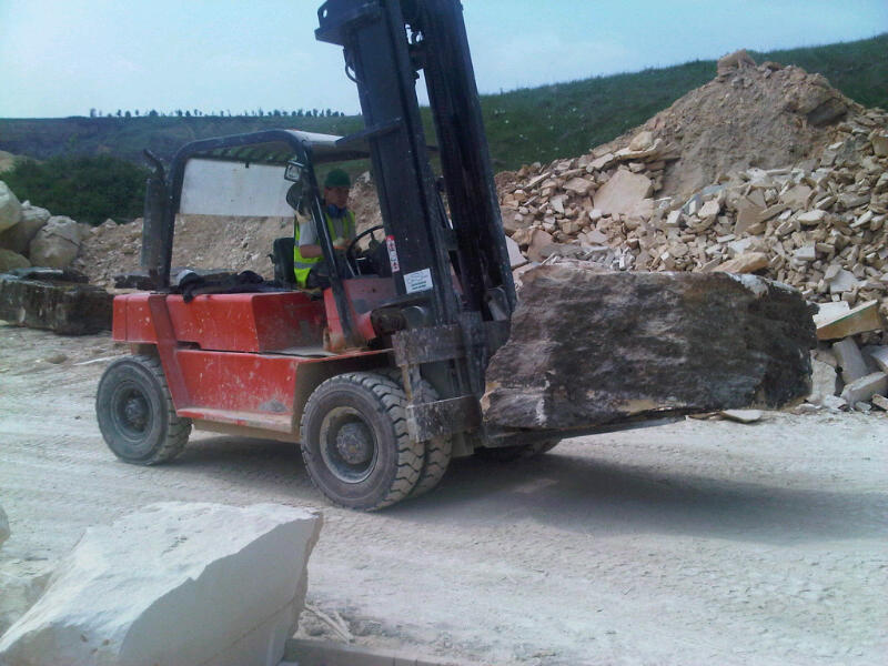 Natural English Stone. Moving quarried stone to 3m Saw